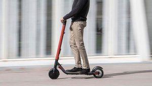 Elektrikli scooterlar uzaktan kolayca hacklenebilir