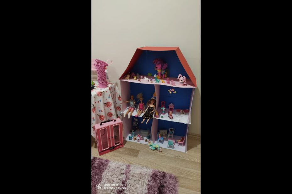 LİNA 'nın Kartondan Barbie Evi