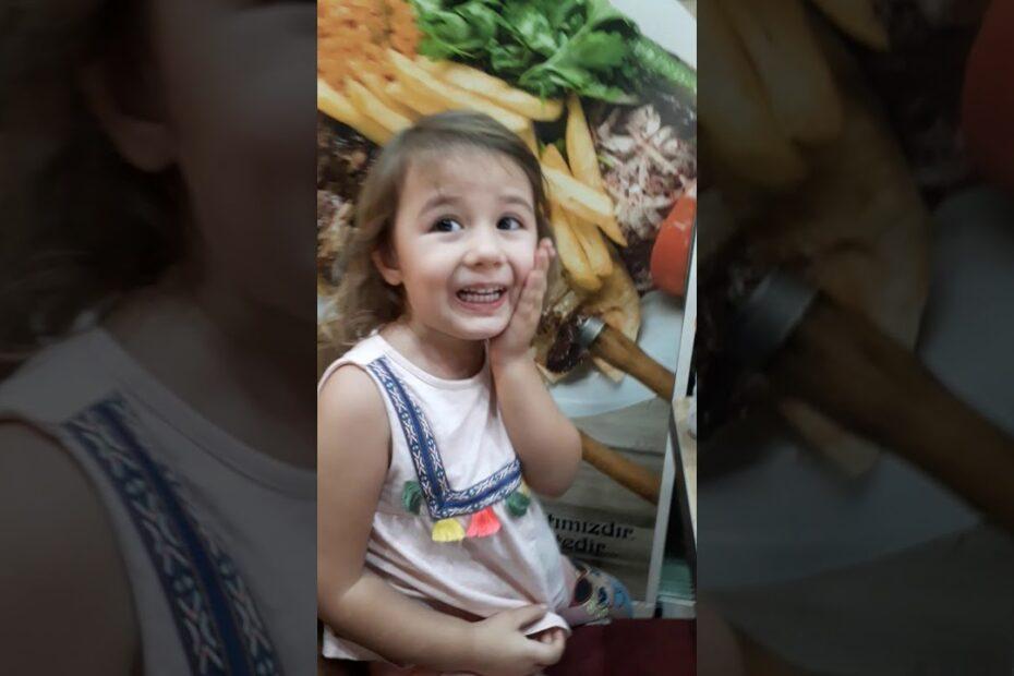 Selin Annesiyle Çorba İçiyor / Eğitici Çocuk Videoları / Selinin Günlüğü
