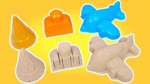 Çocuklar için kum oyunları. Oyuncak kalıpları bulalım! Eğitici çocuk videosu