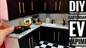 DIY   Kartondan Basit Ev Yapımı #1   Mini Barbie Mutfak Yapımı   5 dakikada hallet   Kendin Yap