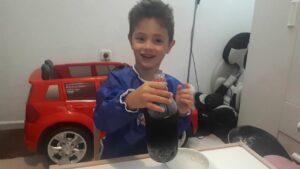 eğitici çocuk videosu: pet şişenin arkasını kesip köpük çıkardık deney yaptık