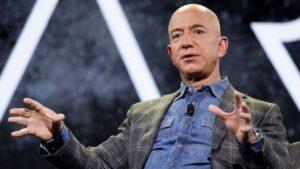 Jeff Bezos'un uzaydan Dünya'ya dönmesini engellemek için özel bir kampanya başlatıldı.