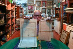 Dövüş döneminden izler taşıyan 3.250 parça açık artırmayla satıldı